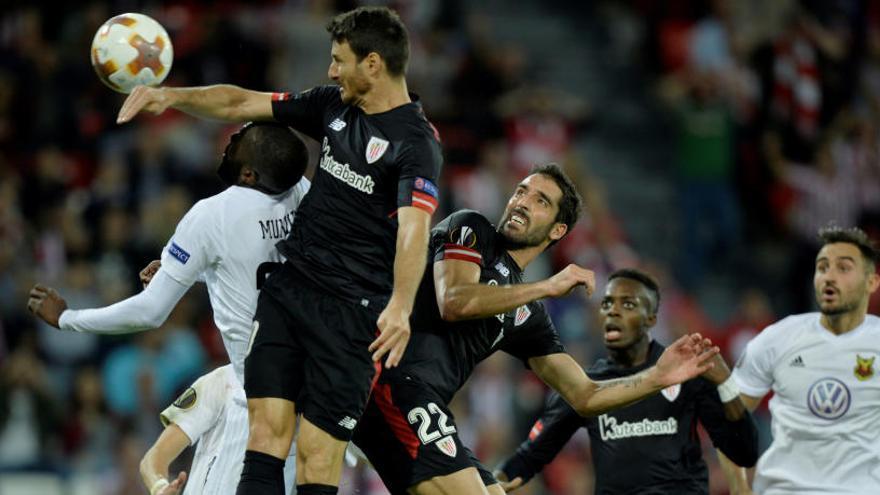 Un gol de Aduriz permite al Athletic seguir vivo en Europa