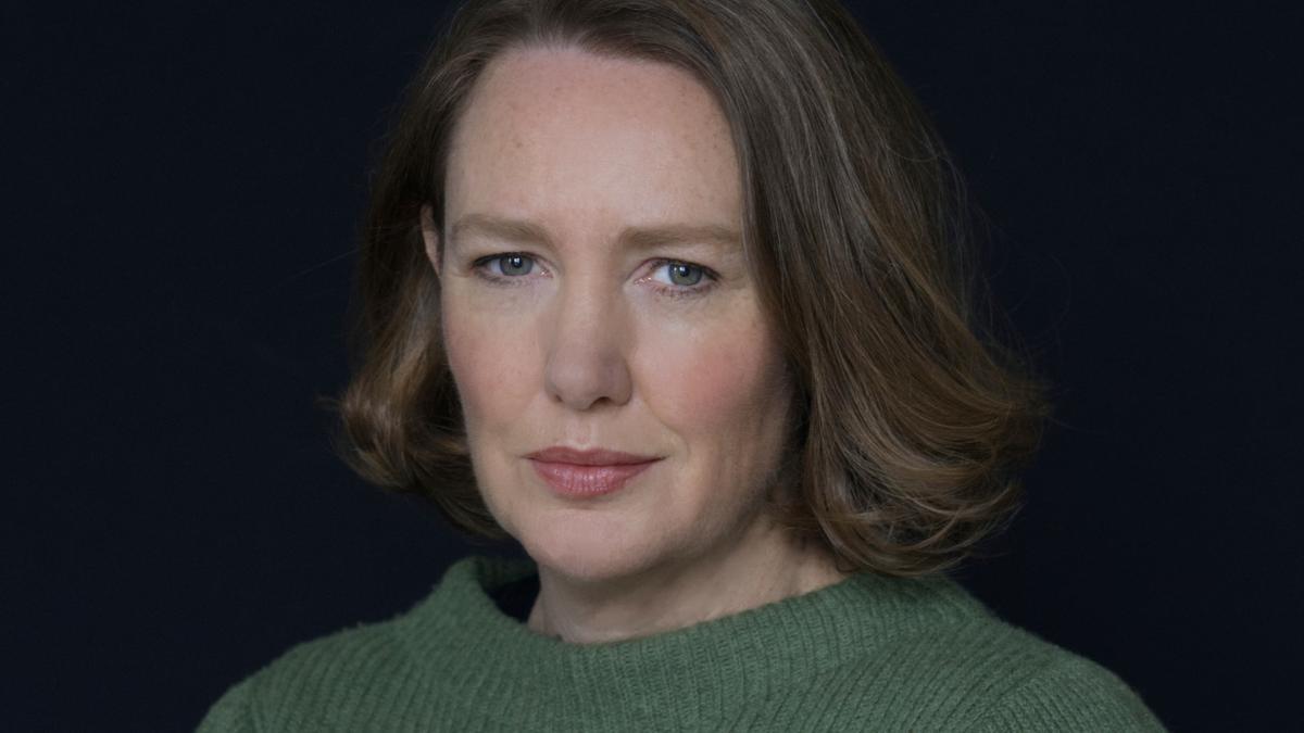 Paula Hawkins.