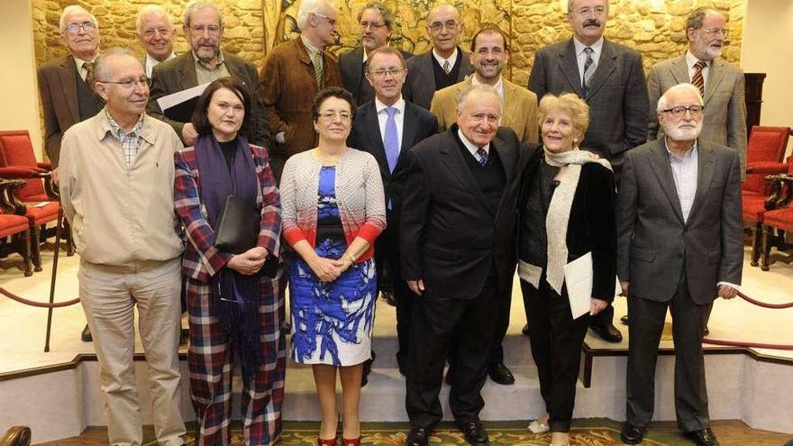 Freixanes asume hoy sin consenso la presidencia de la Real Academia Galega