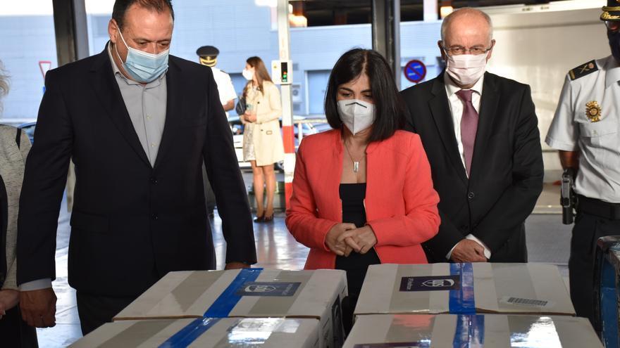 Canarias recibe 43.240 dosis de la vacuna de Pfizer
