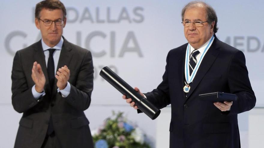 """Feijóo, Fernández y Herrera loan la """"política útil"""" en las Medallas de Galicia"""