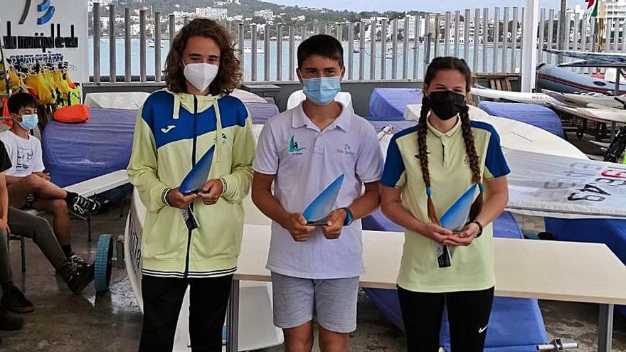 Buen nivel de los jóvenes regatistas ibicencos en el Trofeo de Santa Eulària