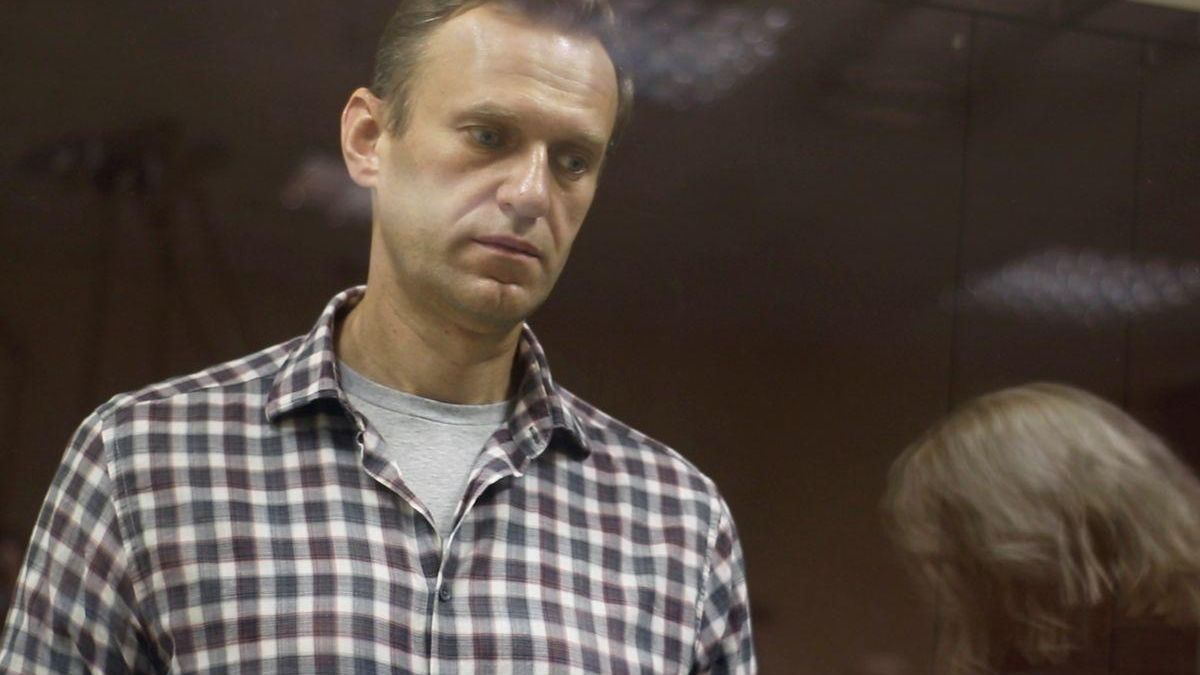 """Amnistía deja de considerar a Navalni """"preso de conciencia"""""""
