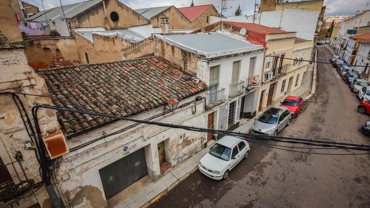 Endesa invierte 60.000 euros para evitar los apagones tras quejas de vecinos de Badajoz