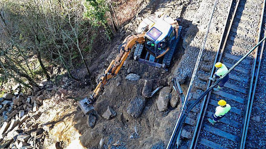 La reparación de la vía férrea en Crecente no está concluida