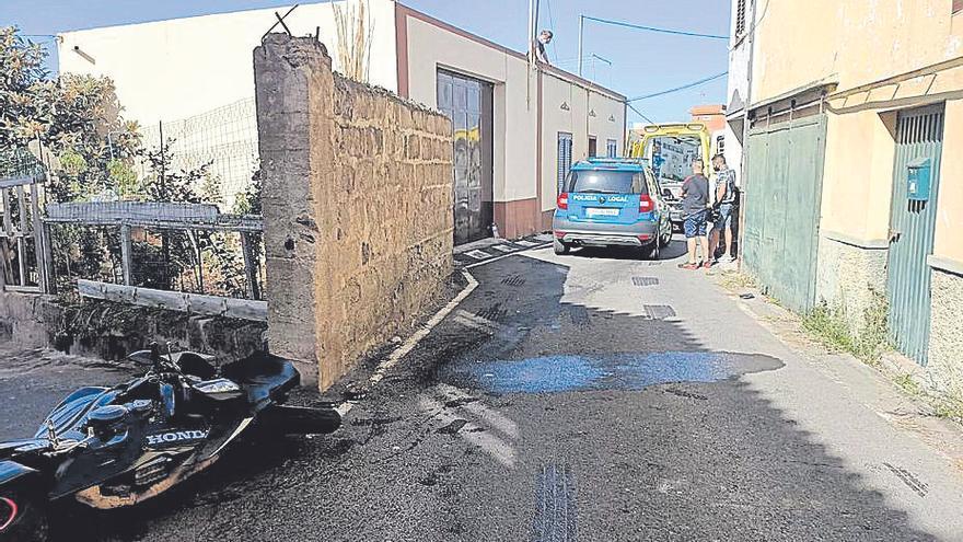 Tres personas muertas al atropellar una moto a dos de ellas en Tenerife