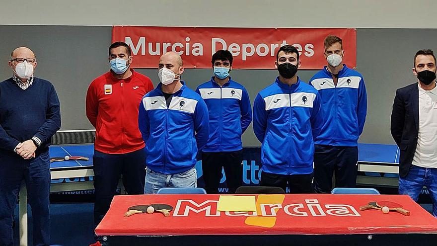 El CTM Murcia vuelve a la élite con una plantilla joven