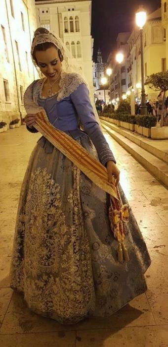 Aisha Bordas (2012), que entró a los sones de la composición dedicada a la Ofrenda que ella ha auspiciado