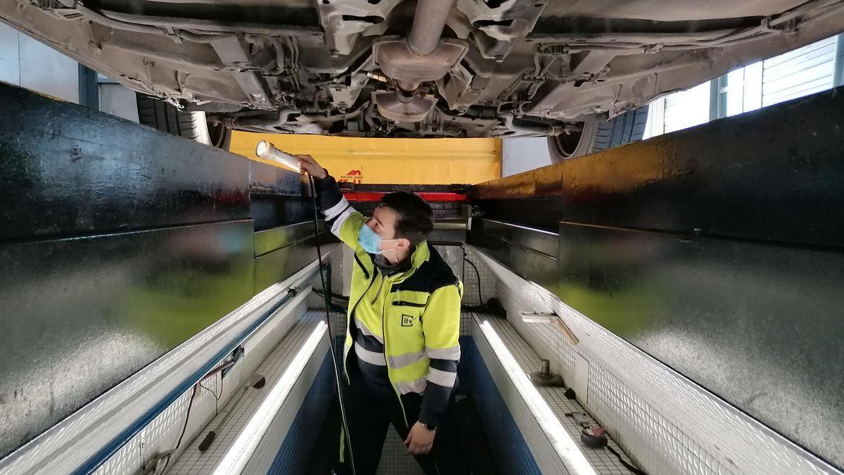 El despiste más común de los conductores que puede llevarte a no pasar la ITV