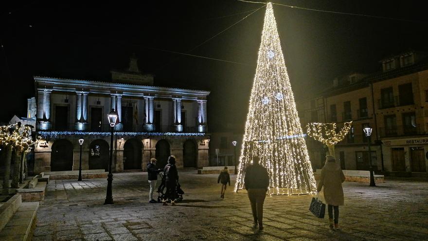 Toro se ilumina por Navidad