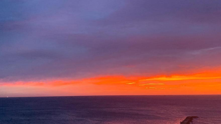 ¿A qué se deben los amaneceres rojos que tintan el cielo de València estos días?