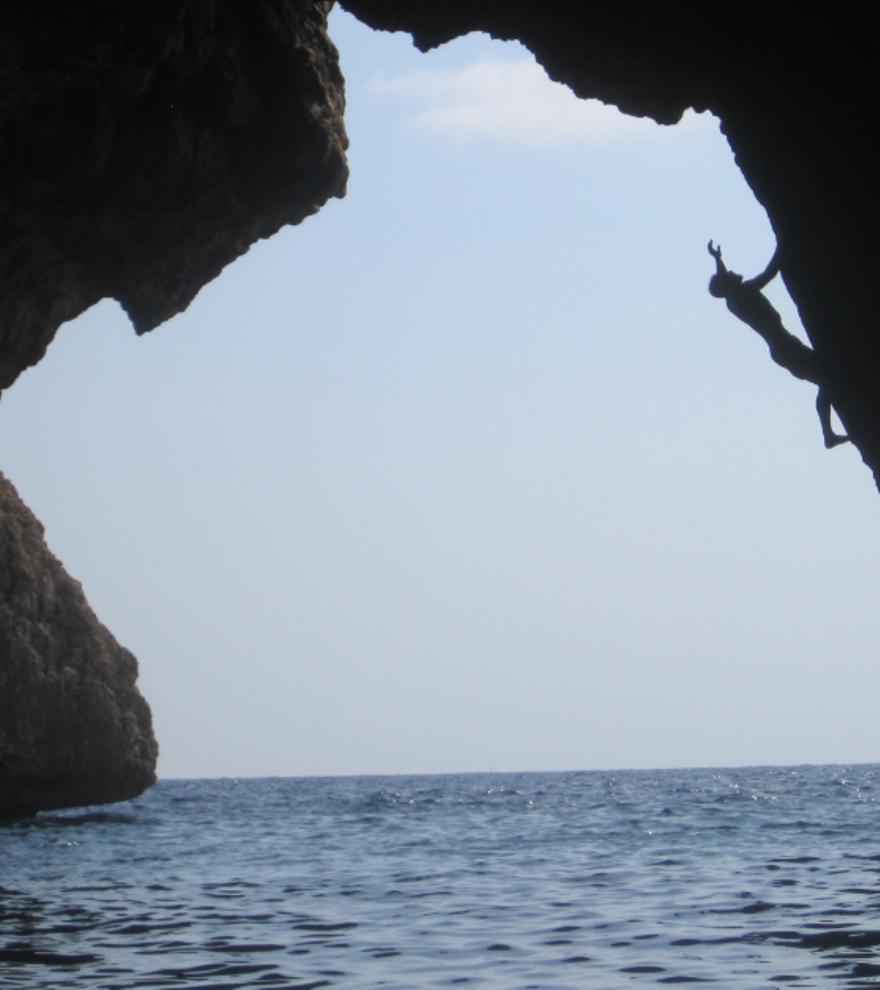 Las 3 cuevas marinas que puedes explorar en la provincia de Alicante