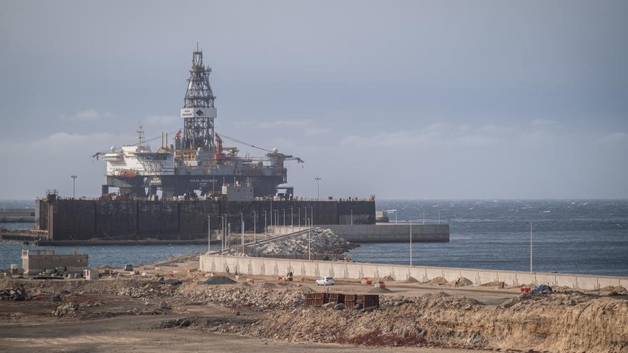Valbuena asegura que Tenerife necesitadepósitos de gas en vez de regasificadoras
