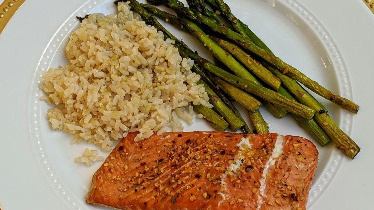 Dieta: alimentos para reducir el dolor cabeza