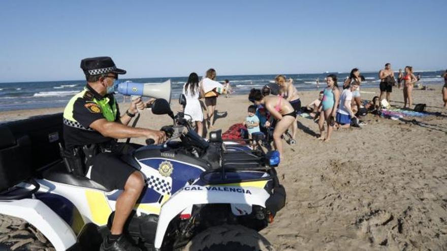 Cierre total de las playas valencianas para evitar aglomeraciones en la «Nit de Sant Joan»