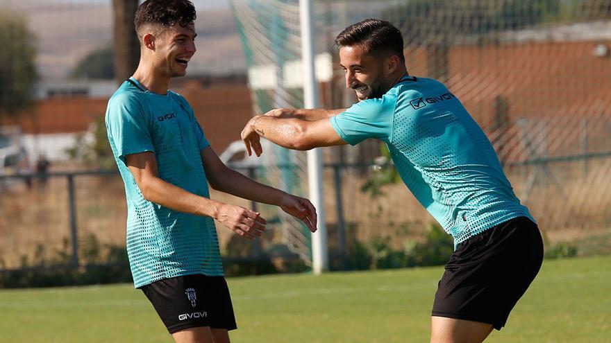El Córdoba CF agita la coctelera para buscar recambios