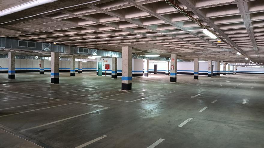 El Ayuntamiento de Santa Lucía recibe un parquin de 492 plazas tras siete años construido
