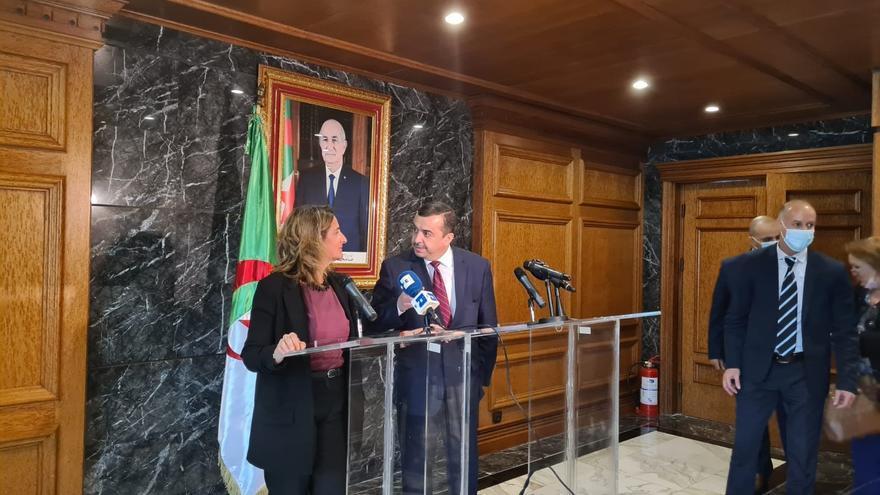 Ribera escenifica en Argelia el compromiso de ese país con España para que no falte suministro