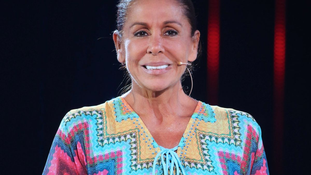 Isabel Pantoja hace la compra por internet para no tener que salir de Cantora