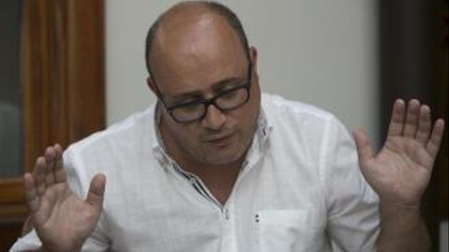 XTF pide al PSOE que sea contundente con Zebenzuí González