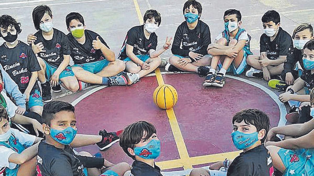 El Rincón Basket nació el pasado verano y cuenta ya con 236 jugadores repartidos en 14 equipos. | EMILIO FERNÁNDEZ