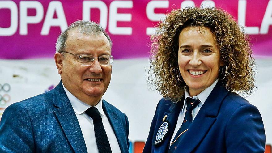 Mónica Carrió rompe otro techo de cristal en la  Federación de Halterofilia