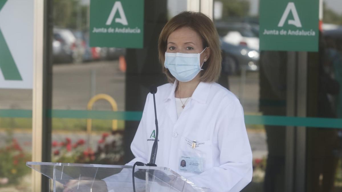 La directora-gerente del hospital Reina Sofía, Valle García.