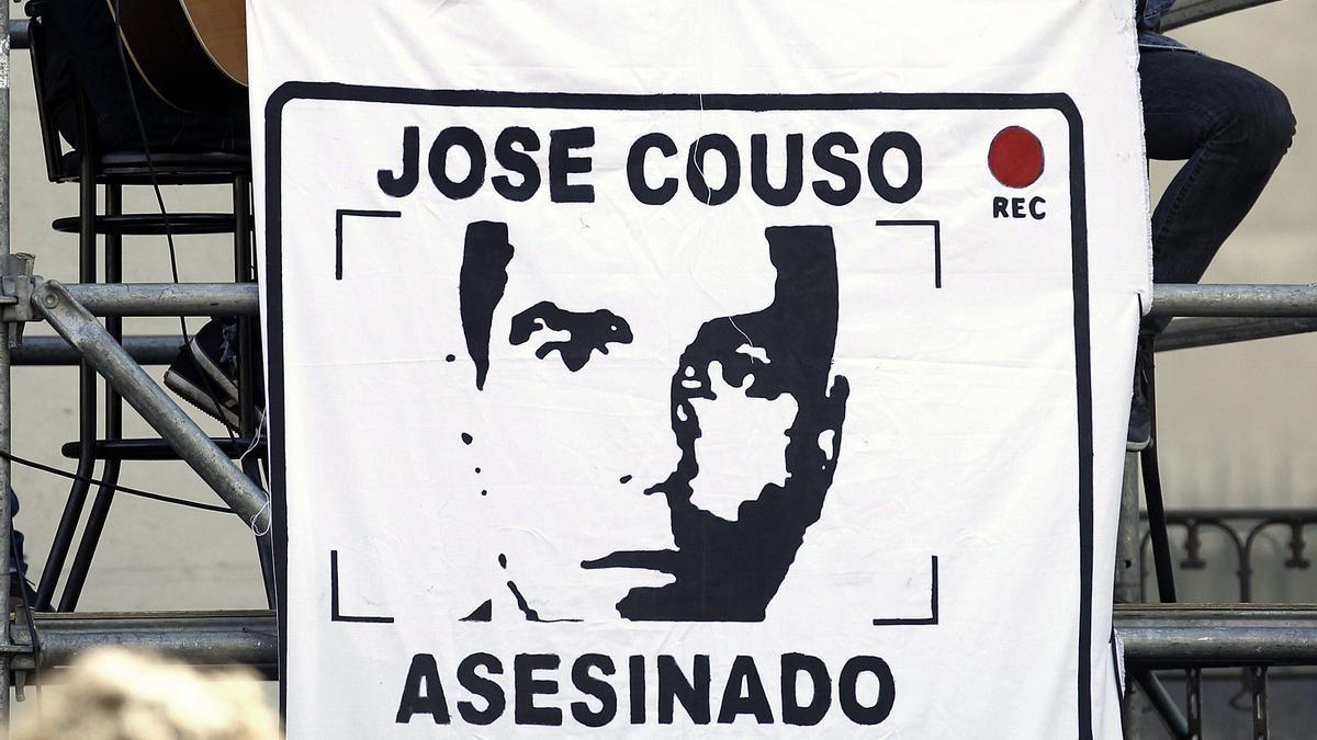 Cartel de José Couso, en un acto de homenaje