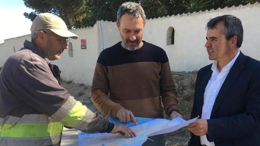 Aspe comienza la reparación de 35 caminos rurales de su término municipal