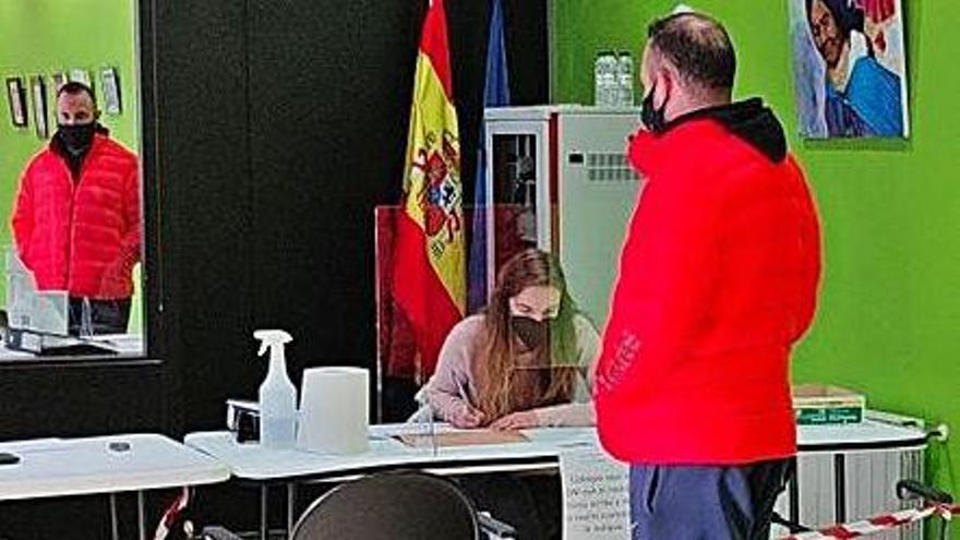 """Seiscientos vecinos ya se inscribieron en la iniciativa """"Consume en Laviana"""""""