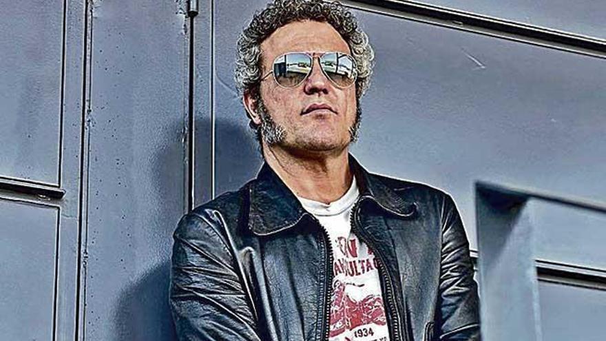 """Carlos Tarque: """"Busco un sonido primigenio de rock, heredero de las grandes bandas  de los 60 y 70"""""""