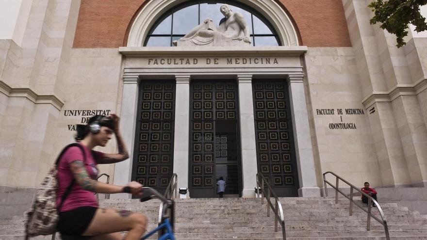 Dos de cada tres plazas de Medicina se preadjudican a alumnos de fuera de la C. Valenciana