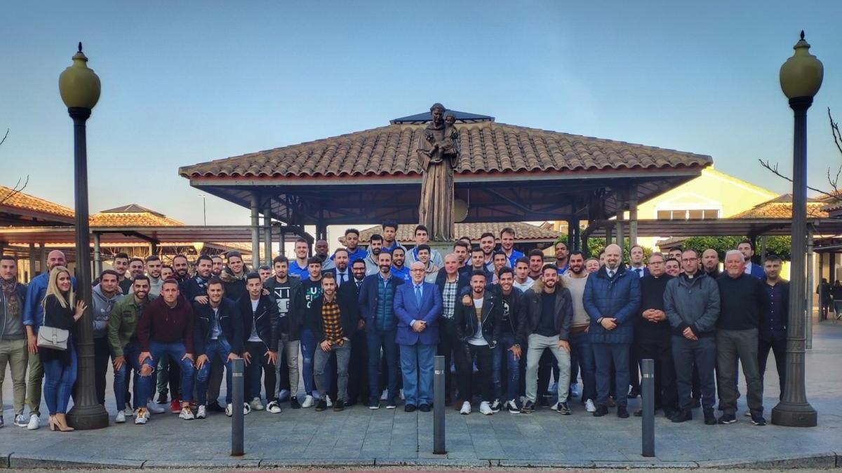 Último encuentro celebrado con las plantillas de fútbol y baloncesto.