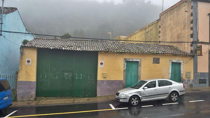 Más aparcamiento en Valleseco