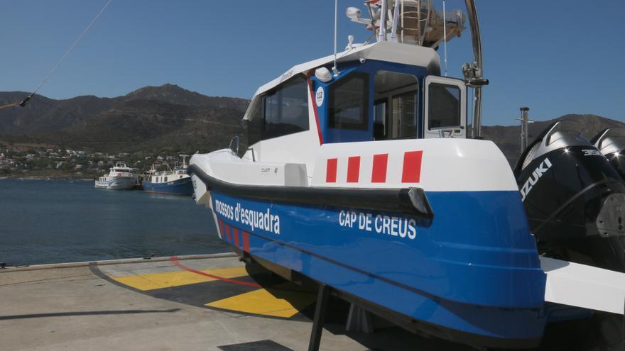 """Els Mossos inicien """"l'etapa de desplegament al mar"""" amb una nova embarcació de patrullatge"""