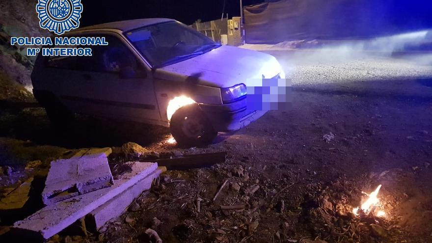 La Policía Nacional detiene a dos hombres por incendiar en Telde 24 vehículos, 26 contenedores, un barco y una vivienda