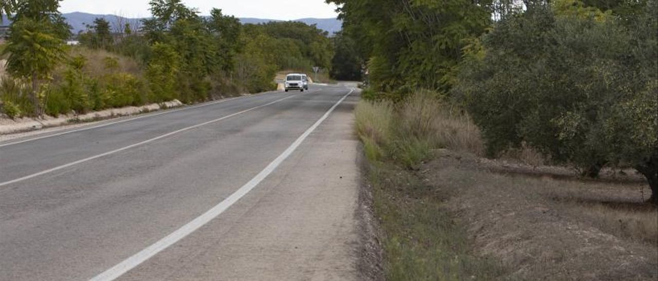 Punto de la CV-612 donde tuvo lugar el accidente, en la carretera de Bellús a Benigànim.   PERALES IBORRA
