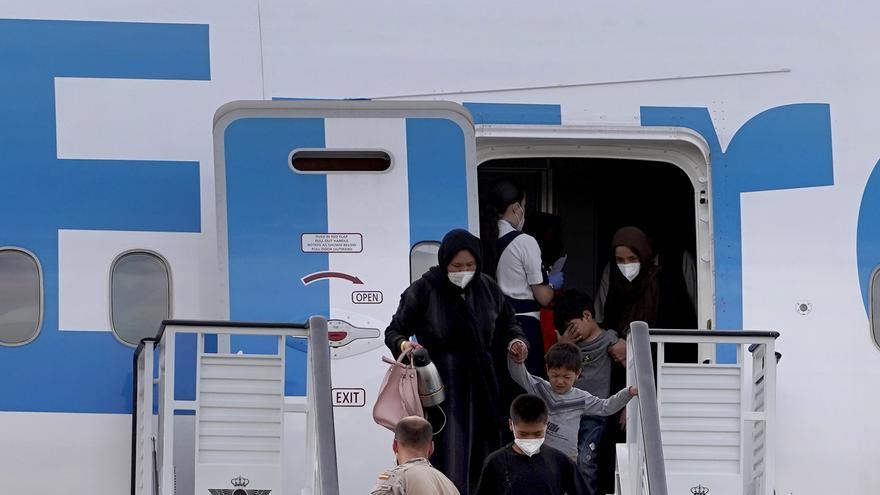 España recibe un nuevo avión con afganos.