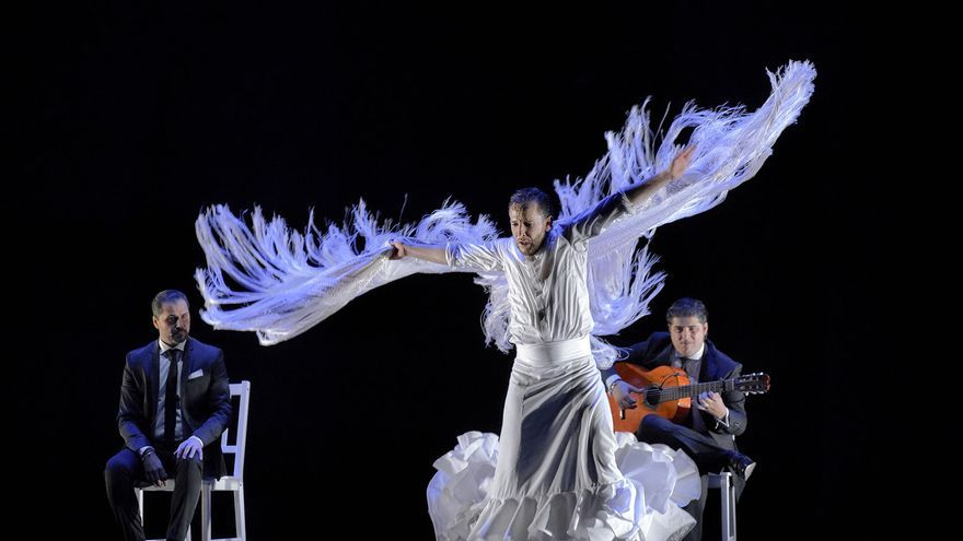 Miguel Liñán explica la creación artística a golpe de flamenco