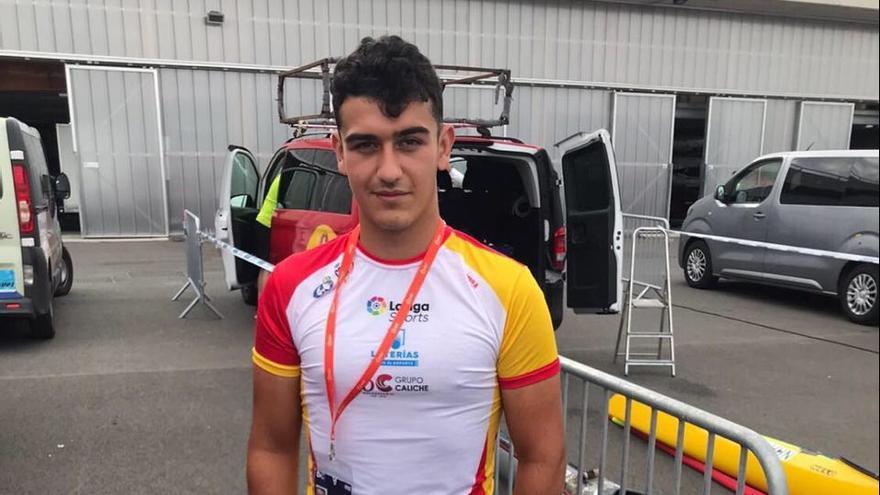 El gijonés Daniel Estébanez, medalla de plata en la distancia estándar en la Copa del Mundo de maratón, en Francia