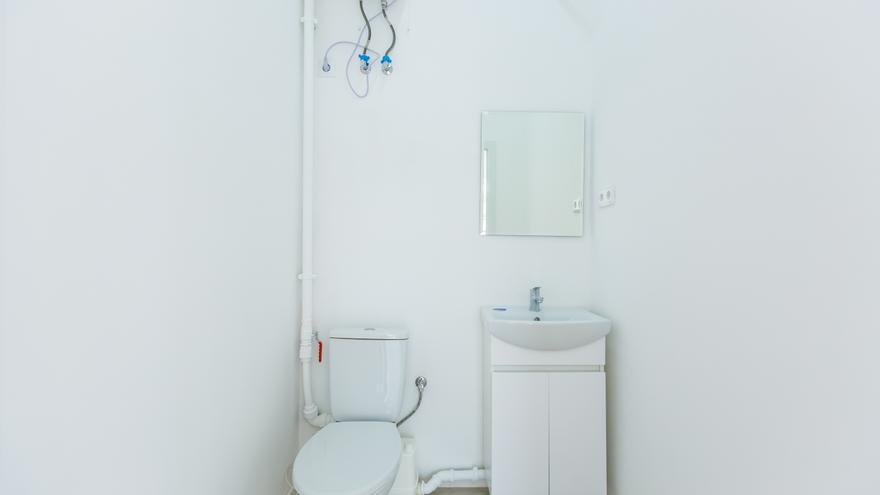 Cómo evitar el olor a alcantarilla en el cuarto de baño