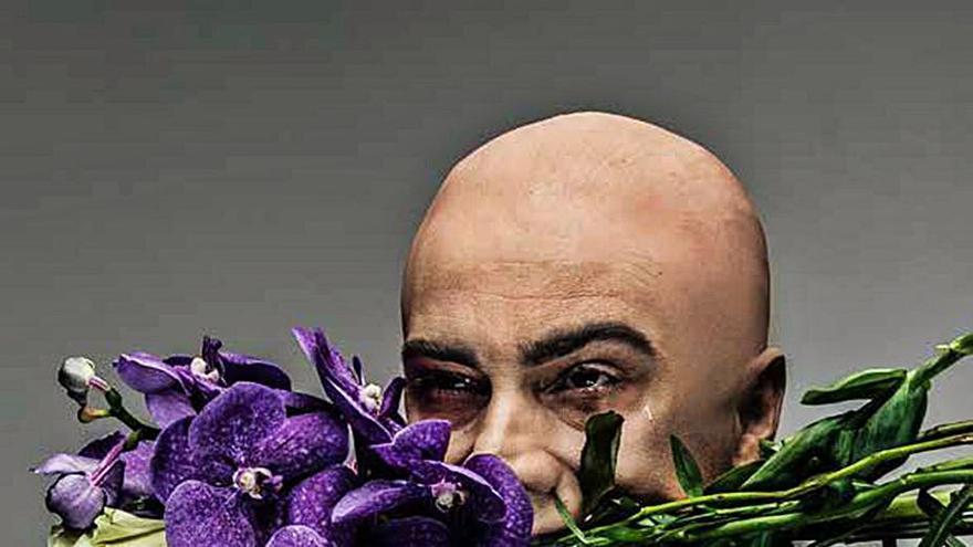 Campos revive la obra del poeta maldito con la obra 'Un perro llamado Baudelaire'