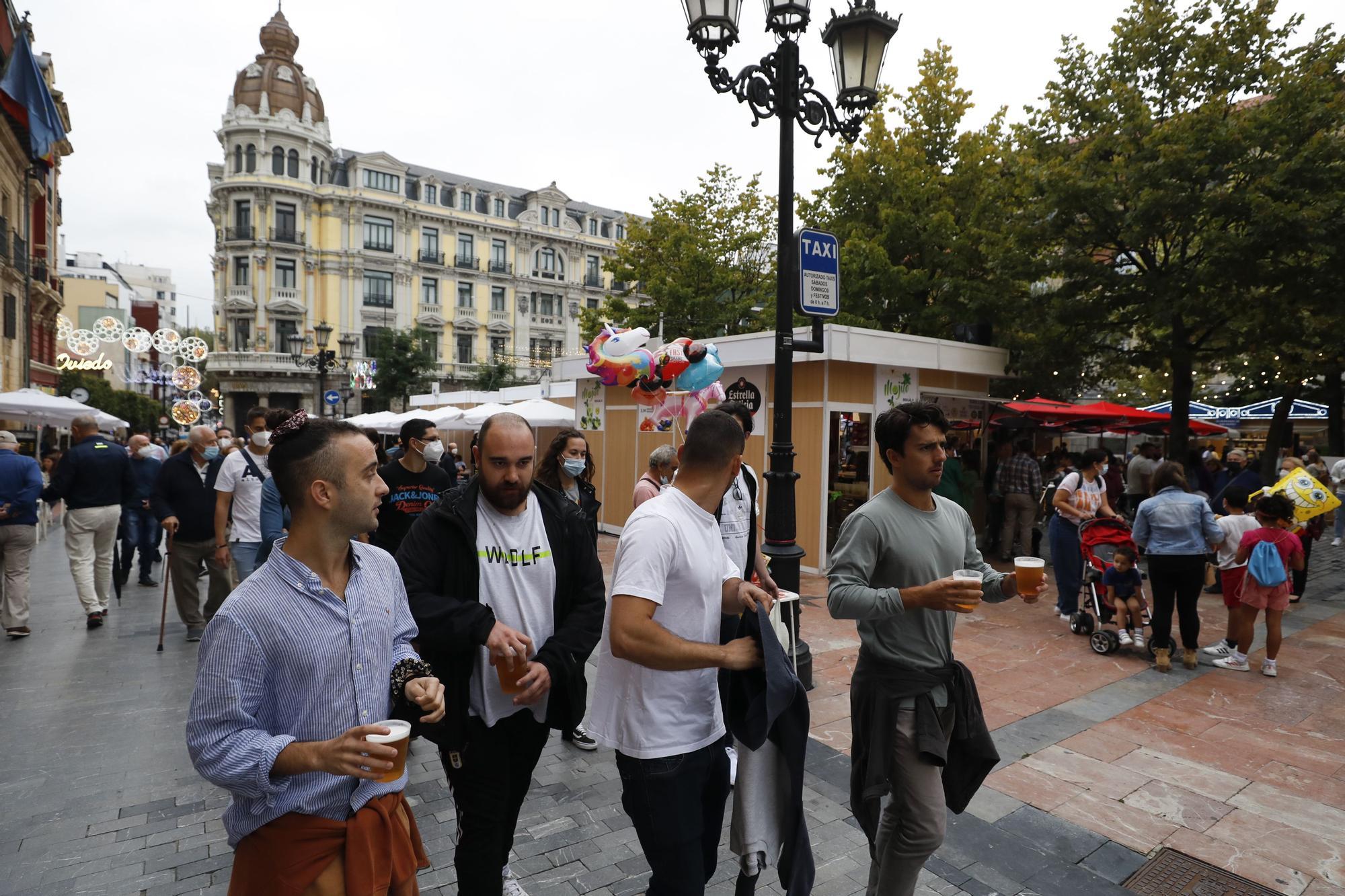 Las terrazas y chinguitos de Oviedo, llenos por San Mateo