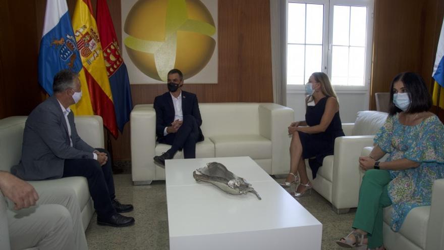 """El presidente canario aclara que la reunión con Sánchez en Lanzarote """"no es oficial"""""""