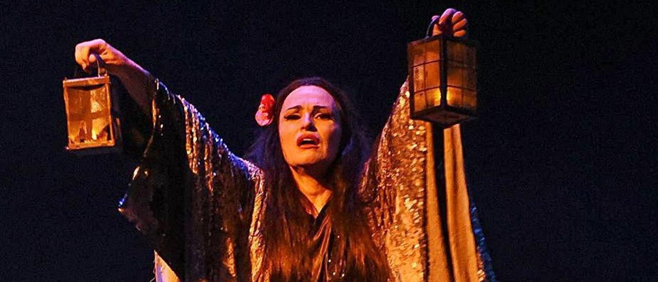 Ainhoa Arteta, en un momento de la representación. | Ópera de Oviedo
