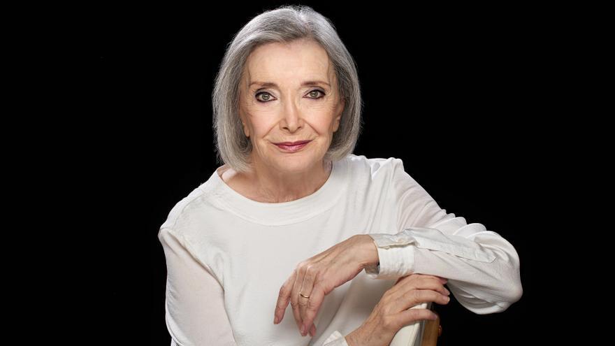 Nuria Espert evoca en el Olympia las raíces de Lorca con el 'Romancero gitano' dirigido por Lluís Pascual