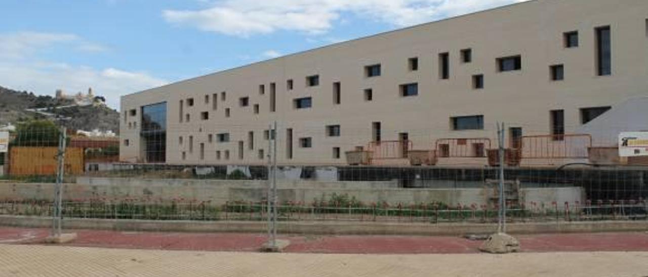 Un cambio del proyecto paraliza 3 meses más las obras de la piscina de Cullera