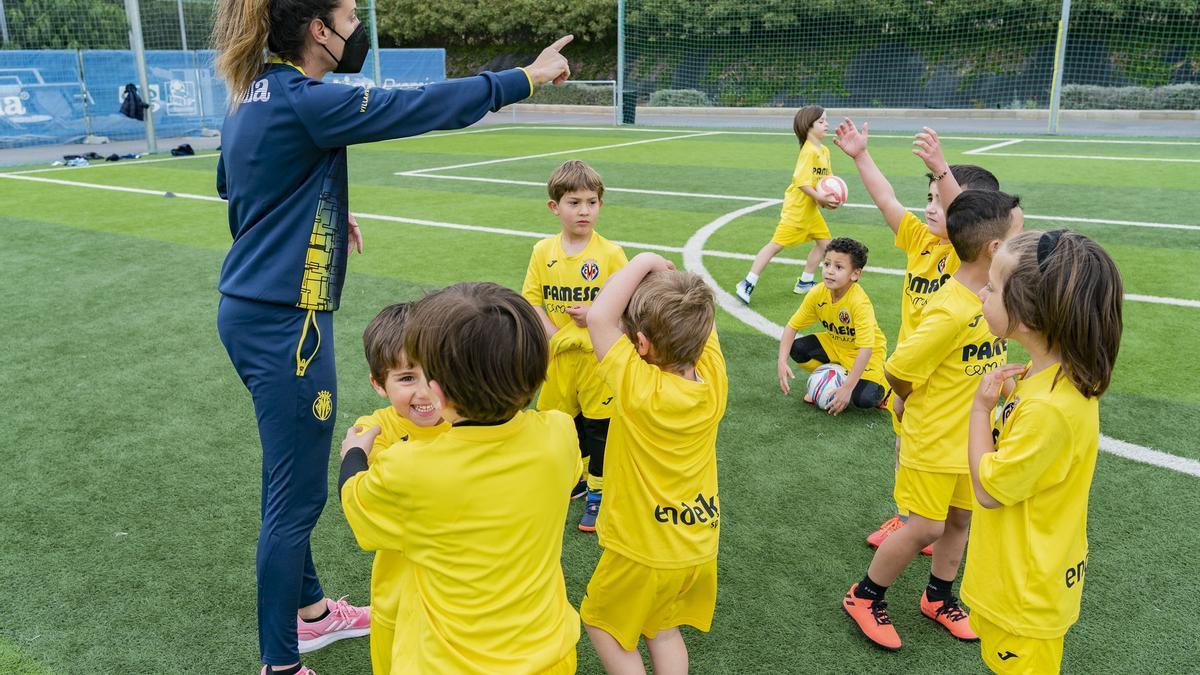 Los más pequeños se lo pasaron en grande en el Campus de Pascua del Villareal CF.