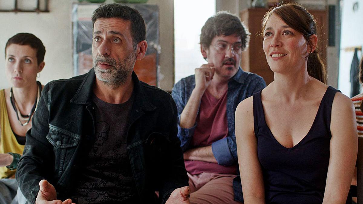 Nacho Fresneda en «Asamblea», del director valencià Álex Montoya.   LEVANTE-EMV