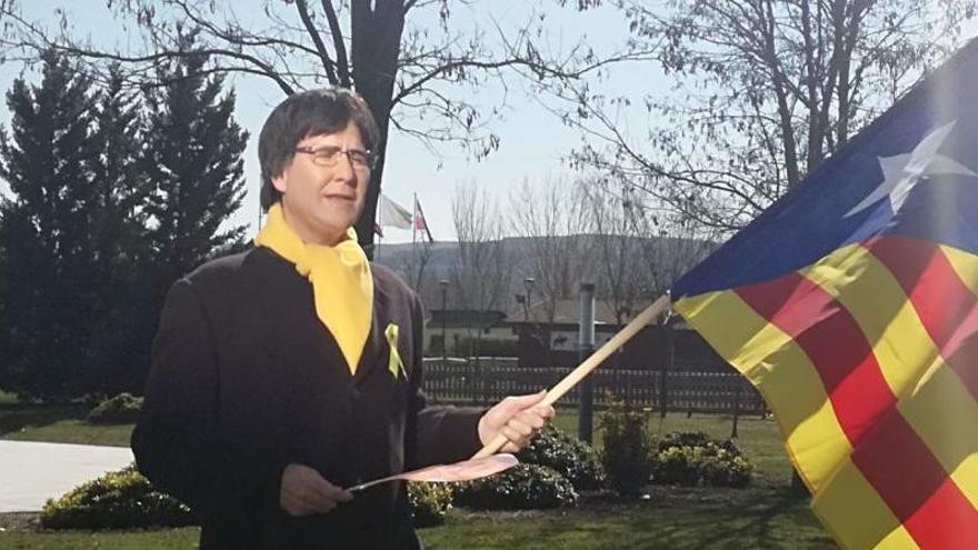 La policia intenta detenir a l'humorista Joaquín Reyes quan rodava disfressat de Puigdemont